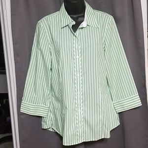 Foxcroft woman's fitted shirt size 14
